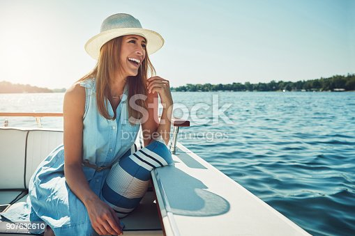 istock Experiencing the open sea in luxury 907632610