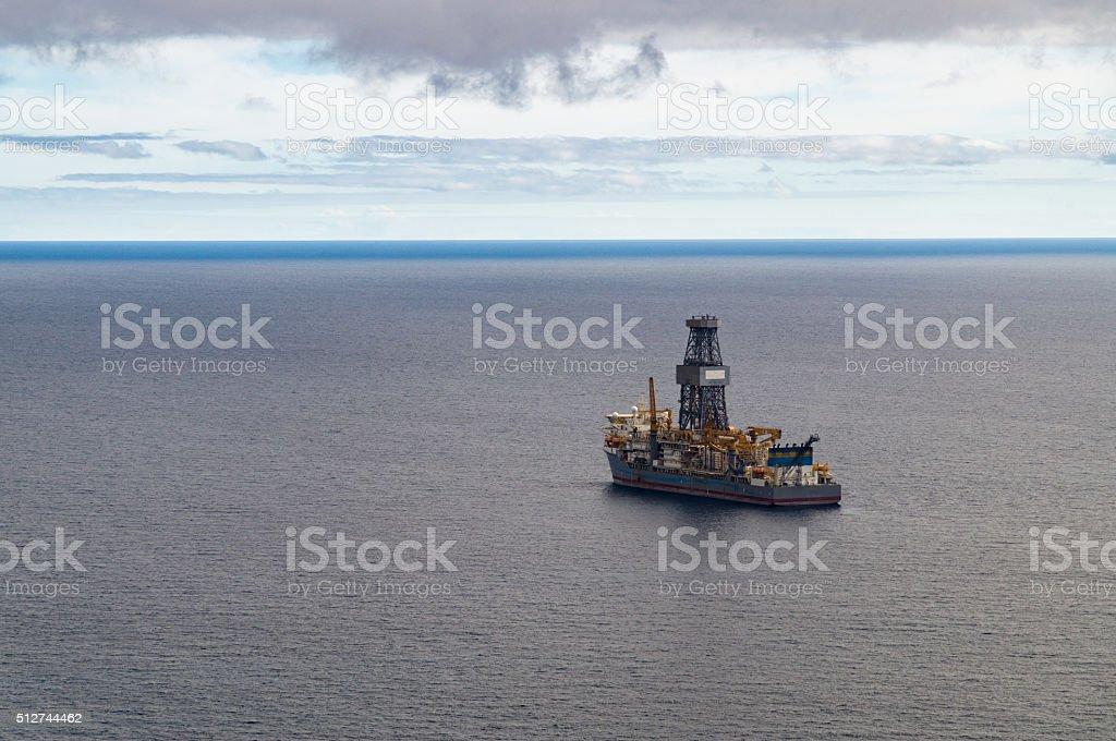 Errichtet Offshore- Bohren von Bohrschiff – Foto