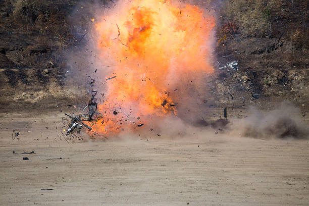 explosion of car part blown away from car bomb training – Foto