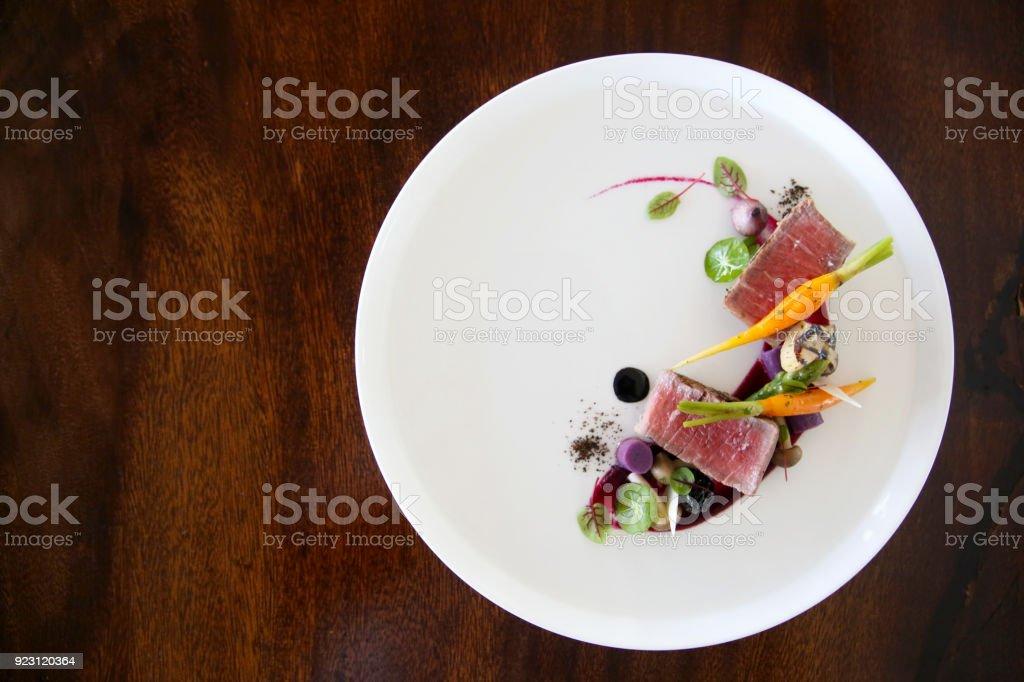絶妙な料理、創造的なレストランの食事のコンセプト、オートクチュール食品 ストックフォト