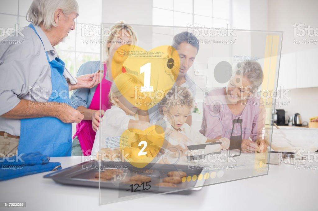 Großfamilie Backen zusammen mit futuristischen interface – Foto