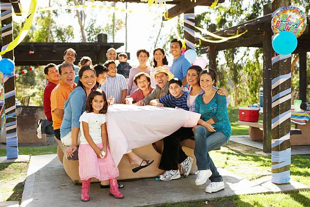 Cтоковое фото Расширенная семья, имеющие-в парке