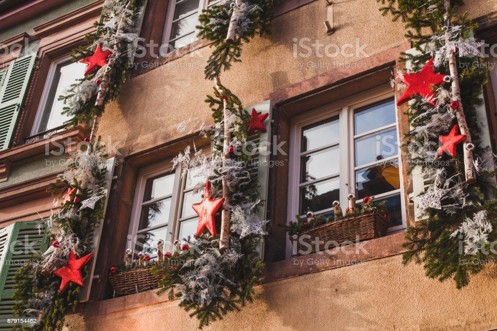 Außendekoration Weihnachten.Außendekoration Weihnachten Auf Der Straße In Europa Stockfoto Und