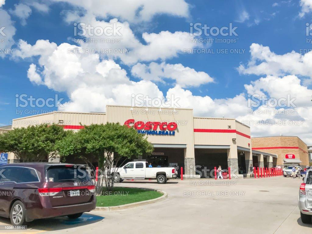 Ausseneingang Costco Wholesale Speichern Von Parkplatzen Stock