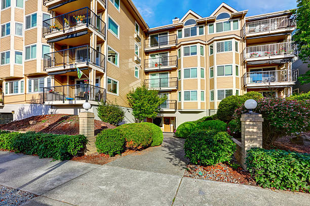 Exterior of apartment house complex in Seattle. – Foto