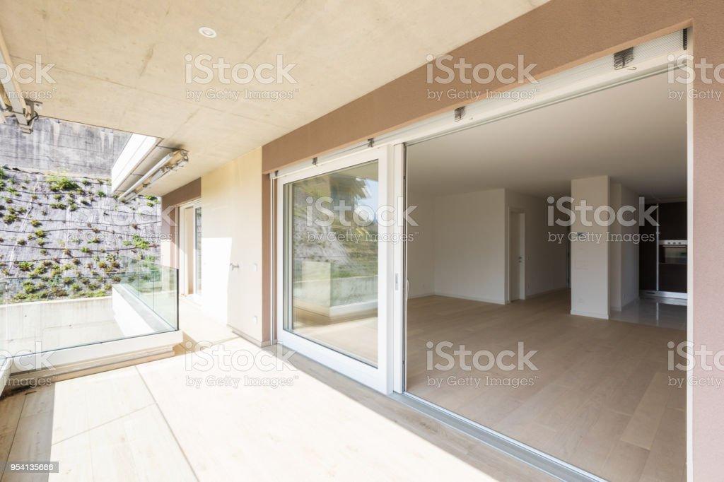 Exterior Del Edificio Moderno Vista Desde La Terraza Foto De