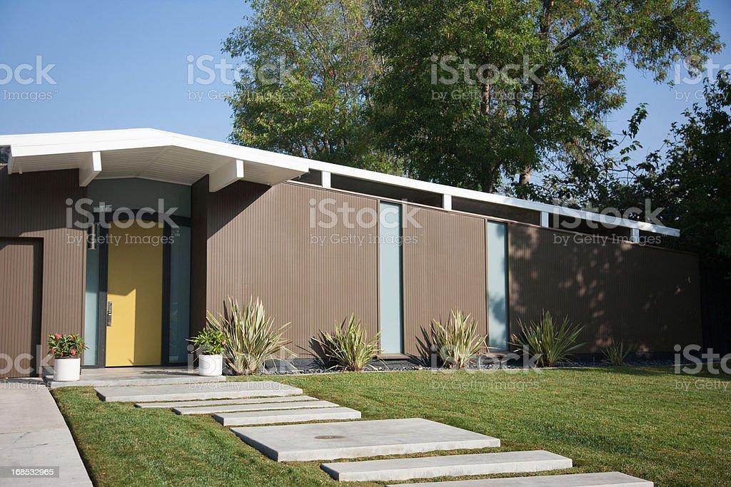 Esterno Di Una Casa : Esterno della casa moderna fotografie stock e altre immagini di