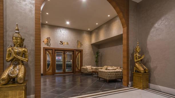 außenbereich des spa-salon im resorthotel - 5 sterne hotel türkei stock-fotos und bilder