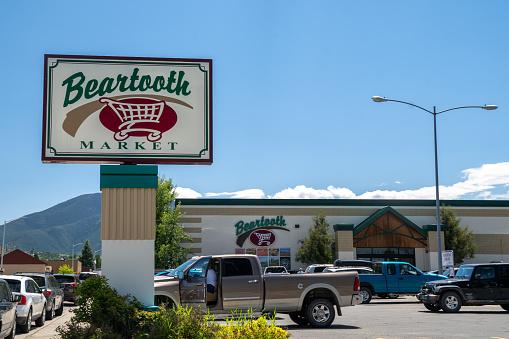 Exterior of the Beartooth Market