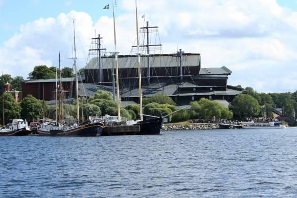 exteriör av vasamuseet, stockholm - ferry lake sweden bildbanksfoton och bilder