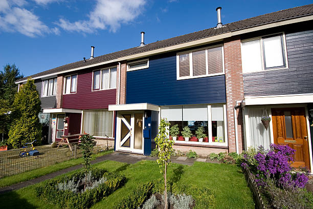dutch house - günstig nach amsterdam stock-fotos und bilder