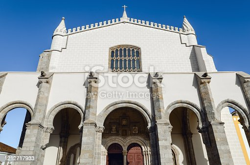 Exterior view of the Igreja de Sao Francisco (Church of Saint Francis) in Evora, Alentejo (Portugal). The site is famous for its interior Capela dos Ossos, a chapel covered by human bones