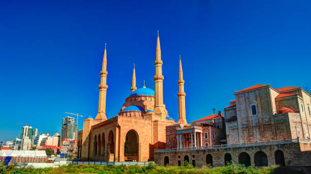 exterior view to mohammad al-amin mosque, beirut, lebanon - beirut foto e immagini stock