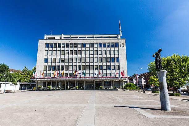 Außenansicht – Blick auf das Rathaus von Wettingen – Foto