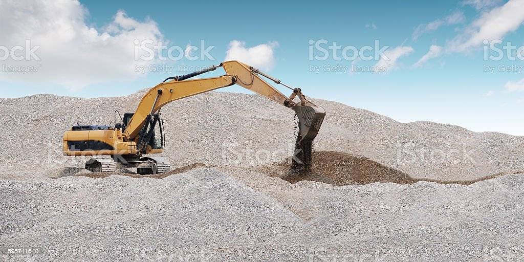 Extraction of sand in the sand pit. Lizenzfreies stock-foto