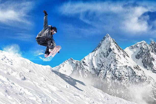 Extreme snowboarding man picture id503871626?b=1&k=6&m=503871626&s=612x612&w=0&h=nj4odzb znzpsbmbr4afzjxinl wfhzfybyi q8m4nu=