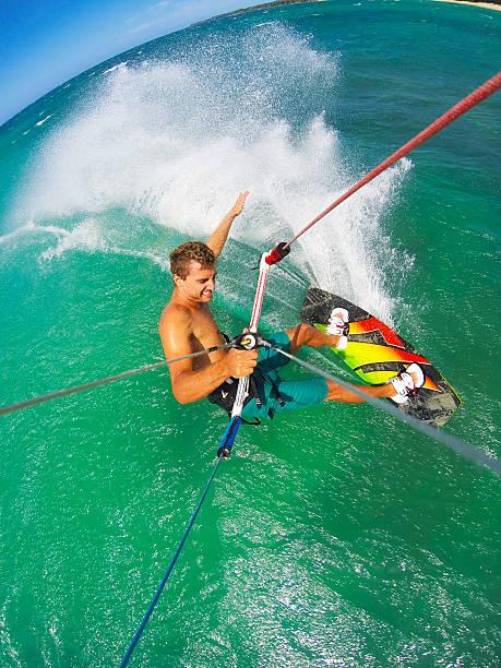 Extremsport und Kitesurfen – Foto