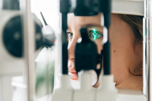 Augencheck Stockfoto und mehr Bilder von Allgemeinarztpraxis