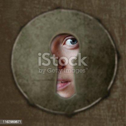 eye in key hole