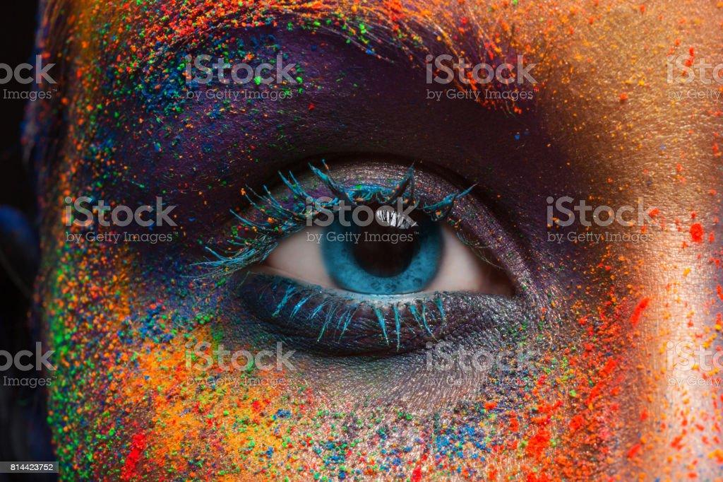 Auge des Modells mit bunten Kunst-Make-up, close-up - Lizenzfrei Auge Stock-Foto