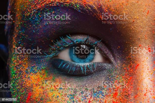 Auge Des Modells Mit Bunten Kunstmakeup Closeup Stockfoto und mehr Bilder von Auge