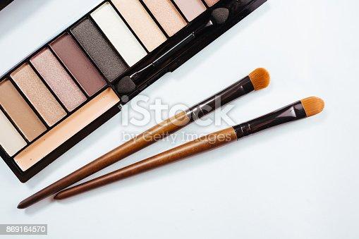 istock Eye shadow with brush on white background 869164570