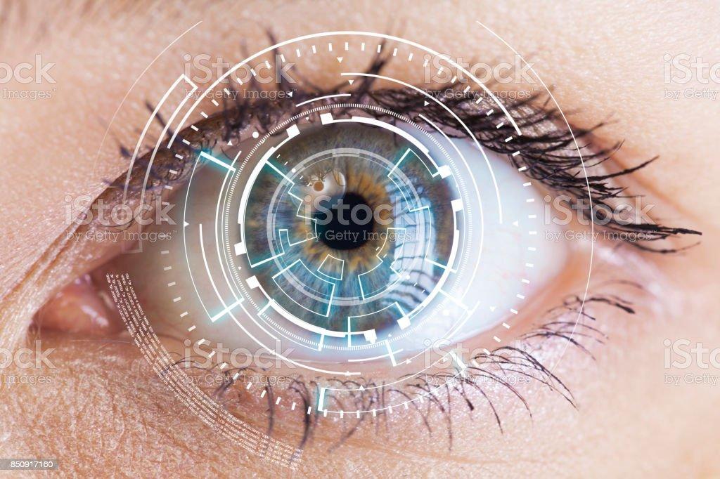 目のデジタル情報を表示 ストックフォト