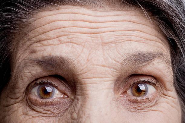 Yeux d'une vieille femme - Photo