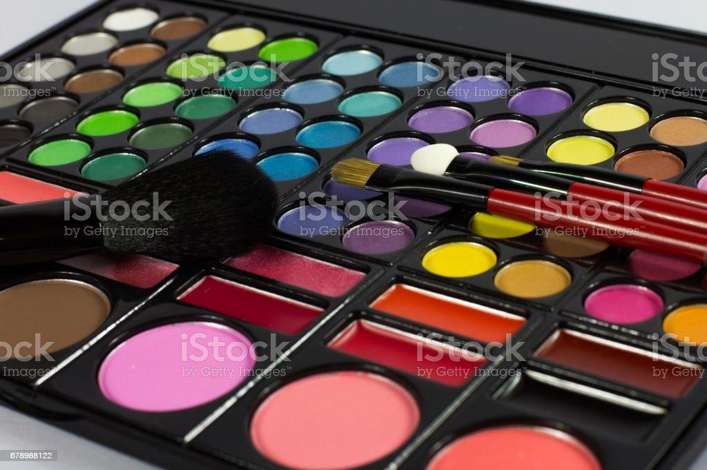Eyeshadow Palette. Decorative cosmetics. Makeup brushes. photo libre de droits