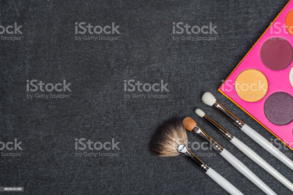 eyeshadow palette with brushes - Royalty-free Artist Stock Photo