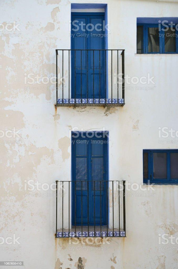 façade avec balcon stock photo