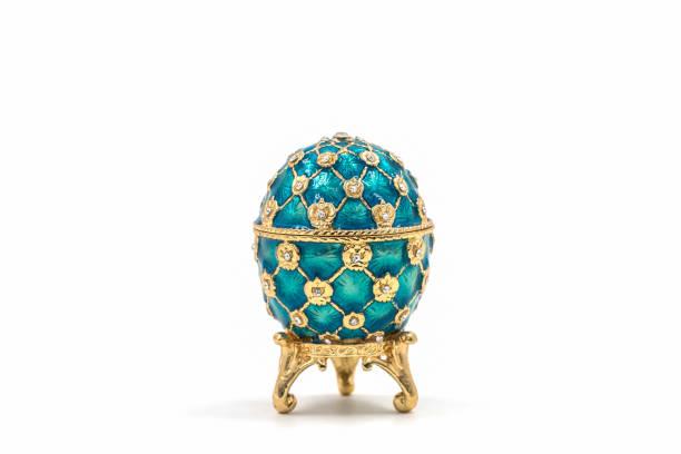 fabergé-eier. dekorative keramik osterei für schmuck. - porzellan schmuck stock-fotos und bilder