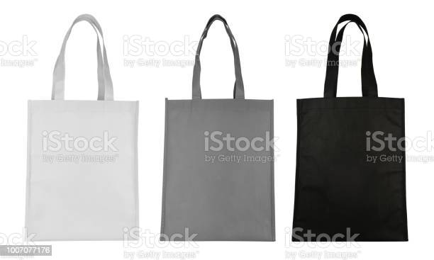 Fabric bag isolated on white background picture id1007077176?b=1&k=6&m=1007077176&s=612x612&h=hqbrcgmwvwuifxccrcpfxqmgabufafmkrkidqjfha 4=