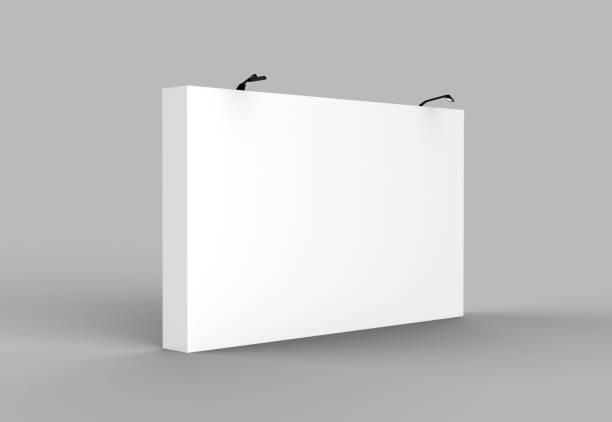 medios de tela pop up unidad básica publicidad banner mostrar telón de fondo. en blanco blanco 3d procesamiento ilustración - stand fotografías e imágenes de stock