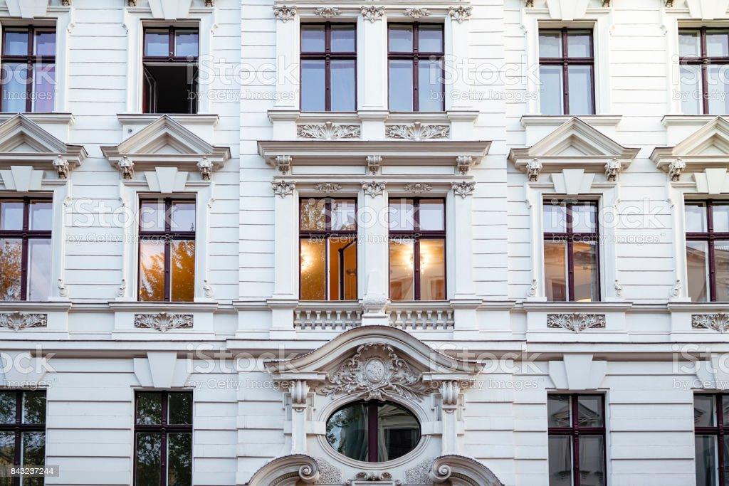 Fassade von einem schönen alten Haus in Berlin-Kreuzberg – Foto