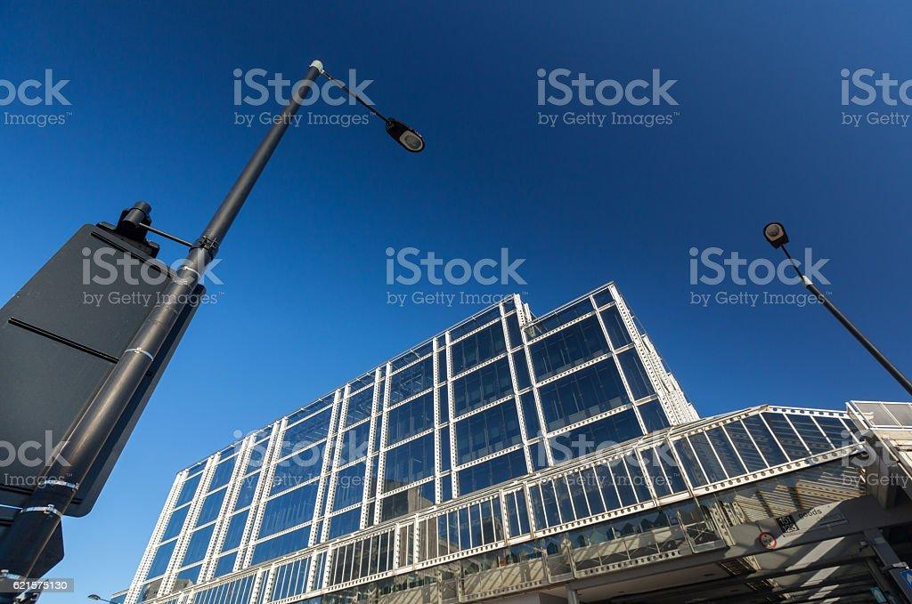Facade of a commercial building photo libre de droits