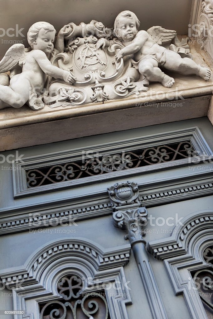 Facade of a French mansion - Photo