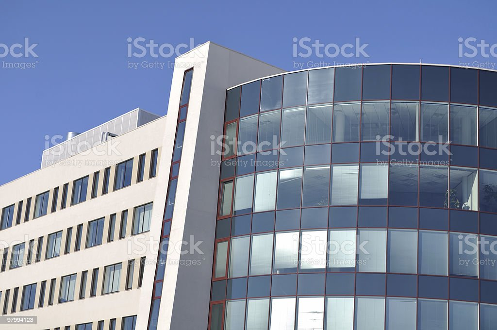 Facade of a modern and stylish office building.XL royalty free stockfoto
