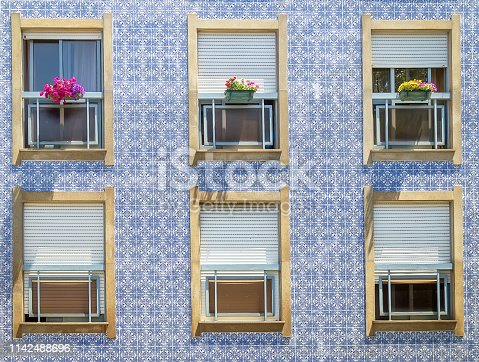937530990 istock photo Facade of a traditional house in Portugal. 1142488696