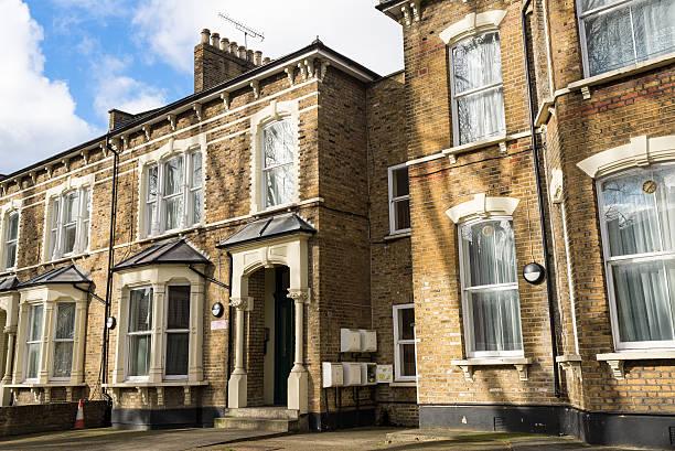 Fassade des britischen viktorianischen Häuser für Familien – Foto