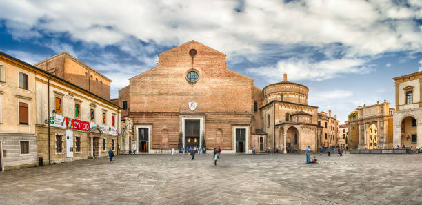Facade of the roman catholic Cathedral of Padua, Italy - foto stock