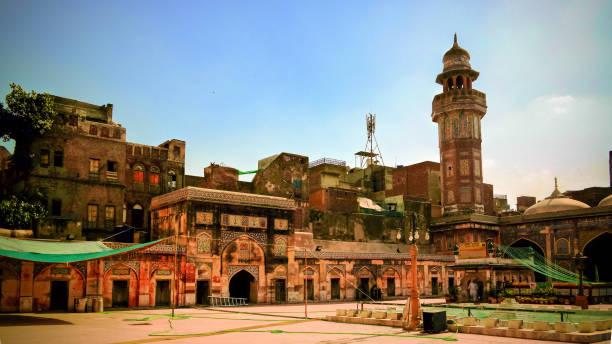 Facade of Wazir Khan Mosque, Lahore, Pakistan Facade of Wazir Khan Mosque in Lahore, Pakistan lahore pakistan stock pictures, royalty-free photos & images