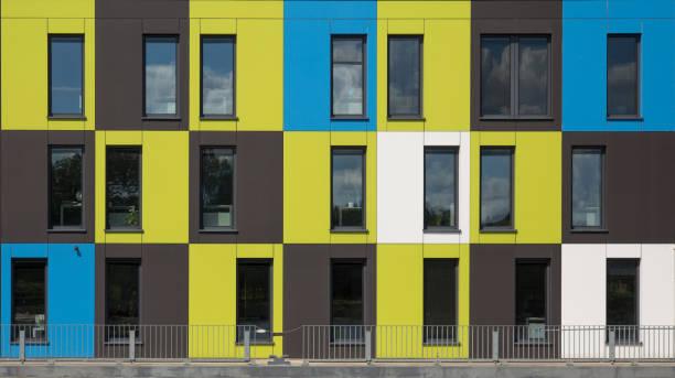 Fassade mit Containerarchtitecture – Foto