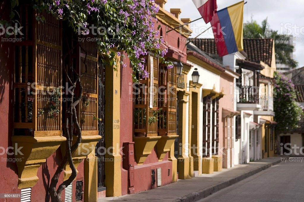 Fachadas y balcones en Cartagena - foto de stock