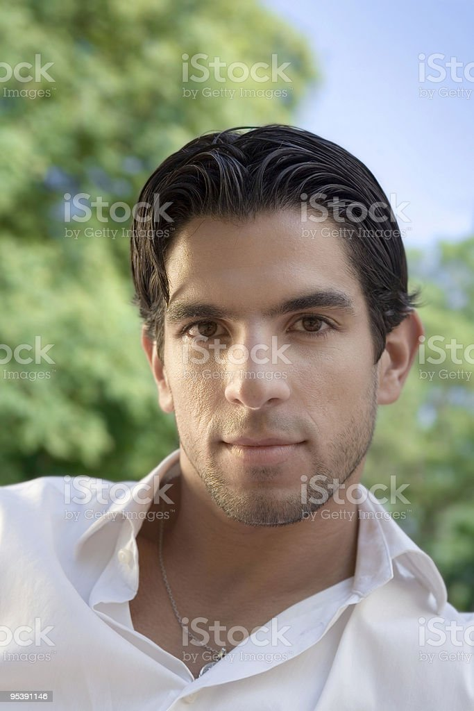 Gesicht eines jungen Nachdenklicher Mann Lizenzfreies stock-foto