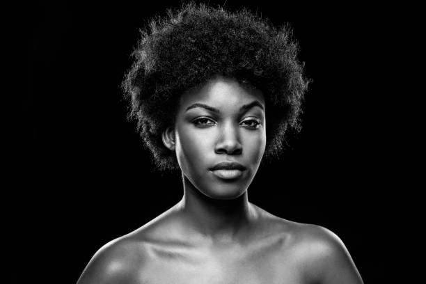 Gesicht einer jungen schwarzen Schönheit – Foto