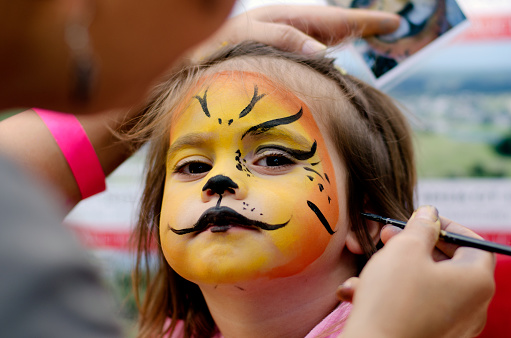 istock Face painting 655678298