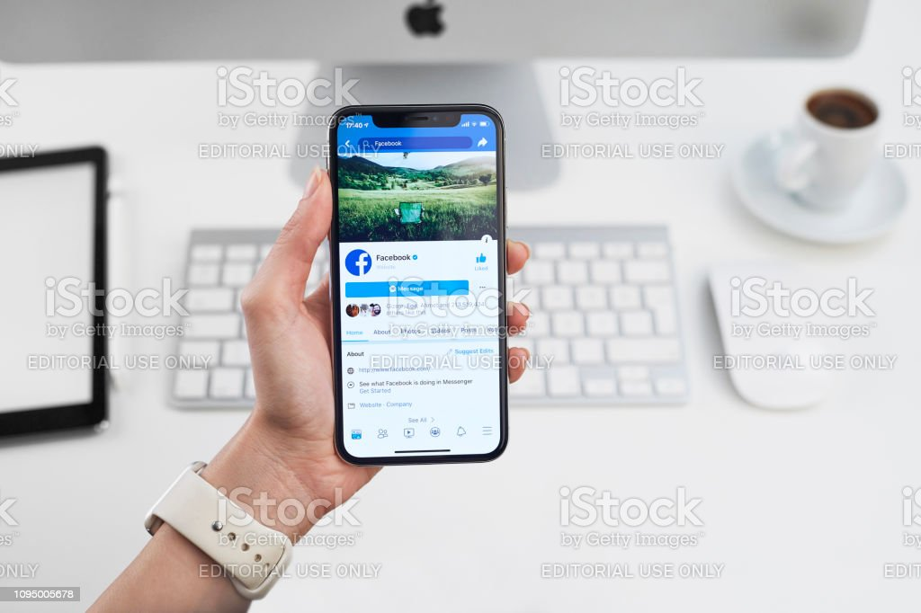 Facebook Profile On Apple Iphone X Stock Photo - Download ...