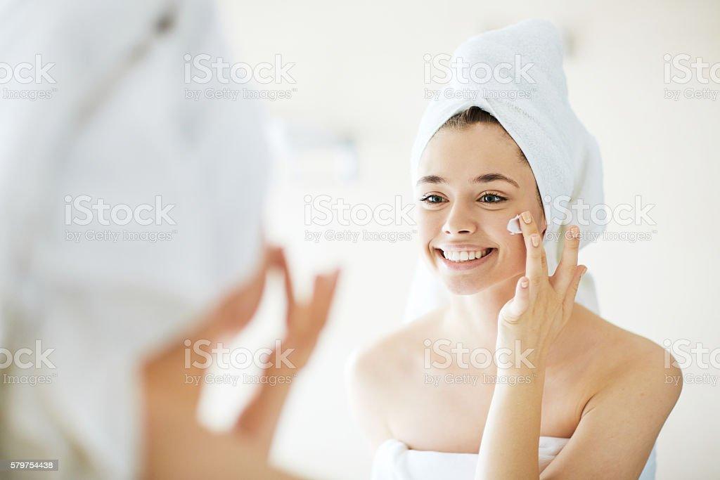 Gesichtsbehandlung  Lizenzfreies stock-foto