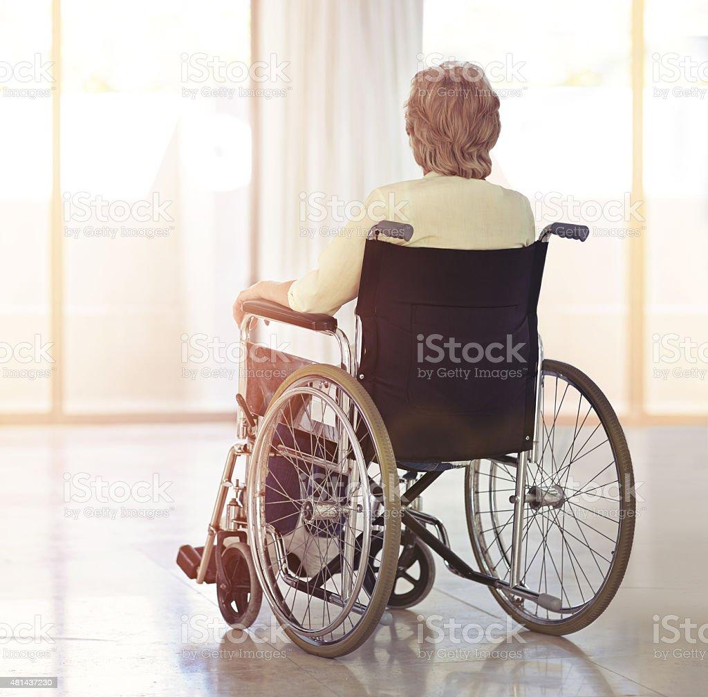 Mit Blick auf die Schwierigkeiten der Alterungsprozess – Foto
